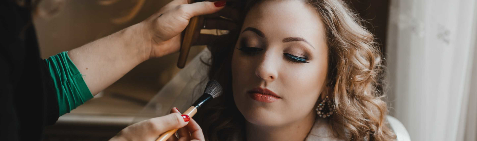 Professionelles Make-up & Hairstyling | JGA Prag Frauen