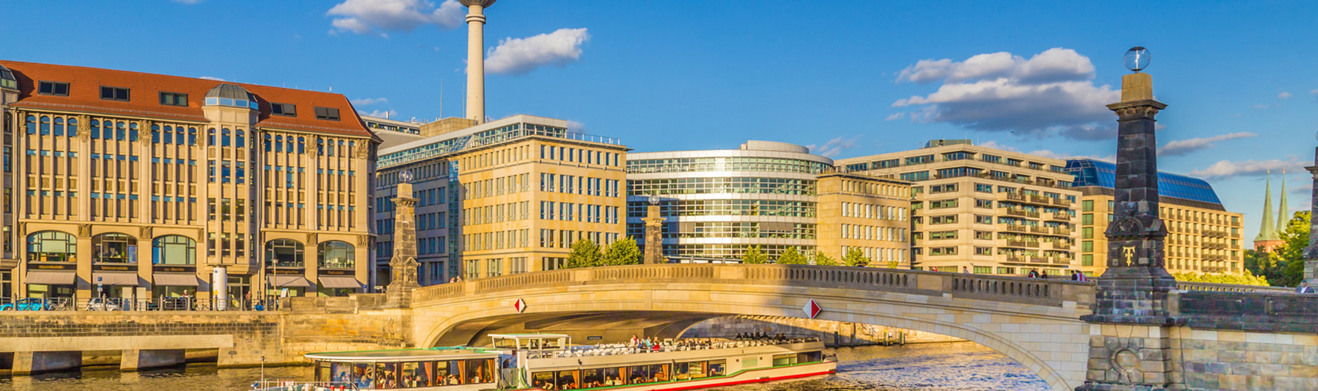 Mit dem Boot zur Sightseeing-Tour in Berlin | Pissup Reisen