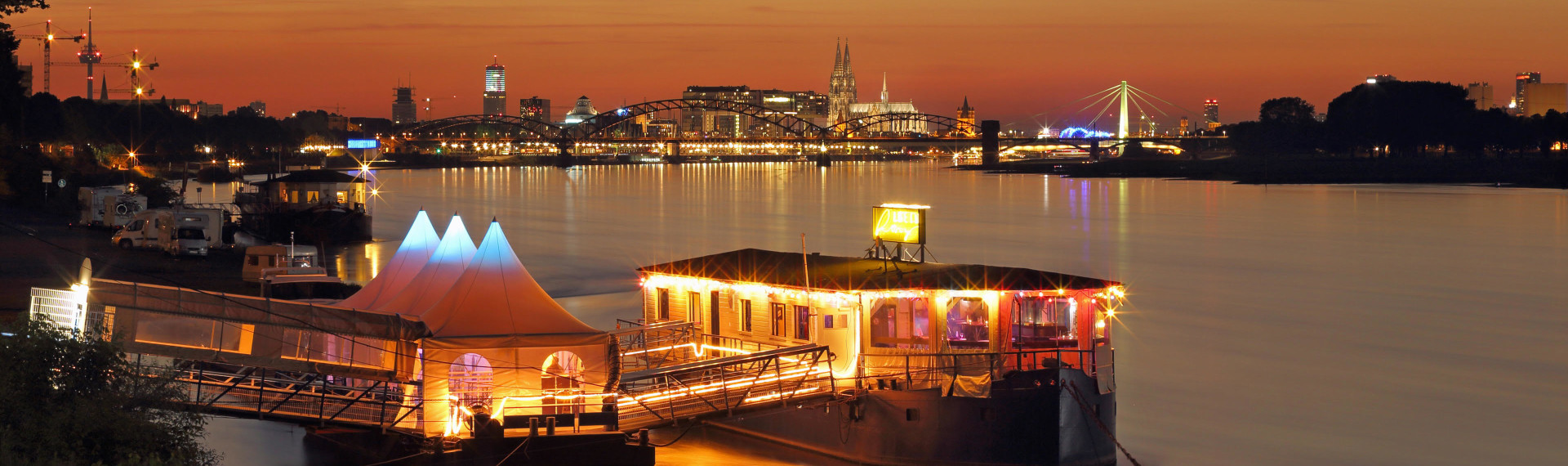 Party Boat in Cologne | Pissup