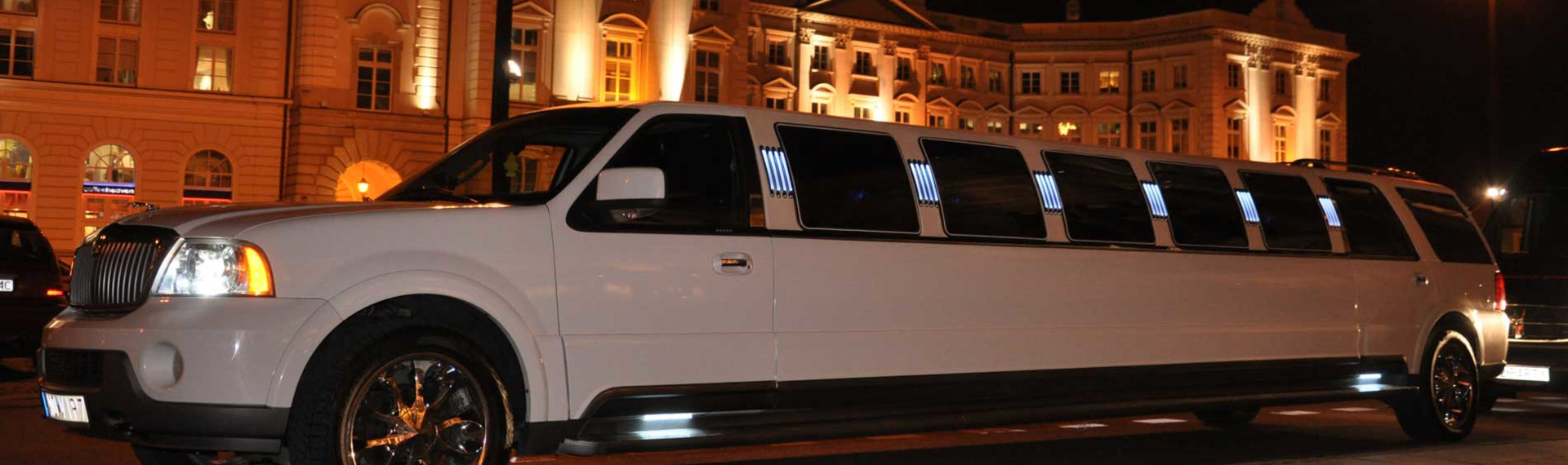 Ford Lincoln Limo Transfer | Pissup