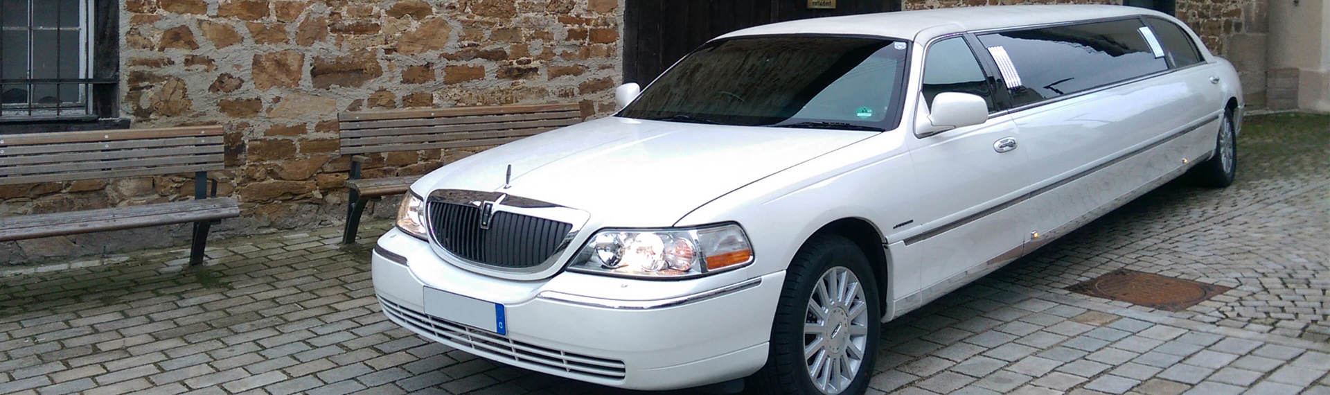 Stuttgart Stretch Limo Lincoln image
