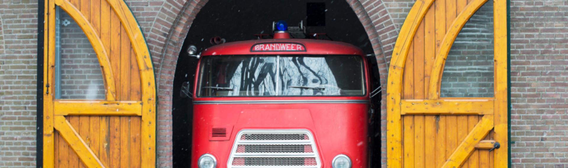 Amsterdam Le camion de pompier des fêtards image