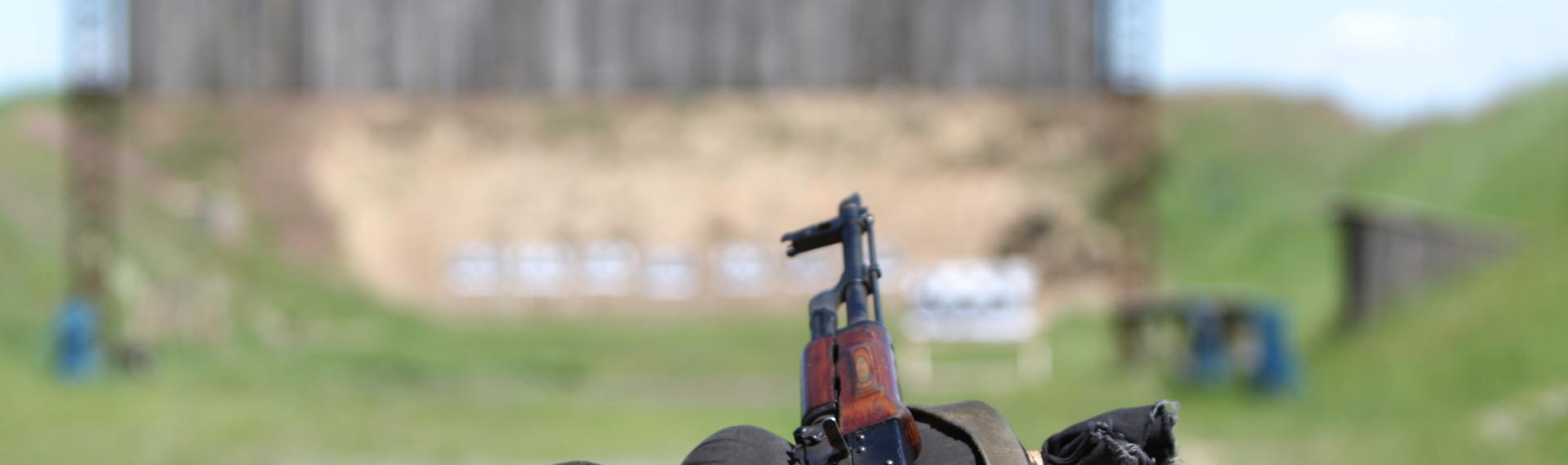 Schwere Waffen Schießen Prag