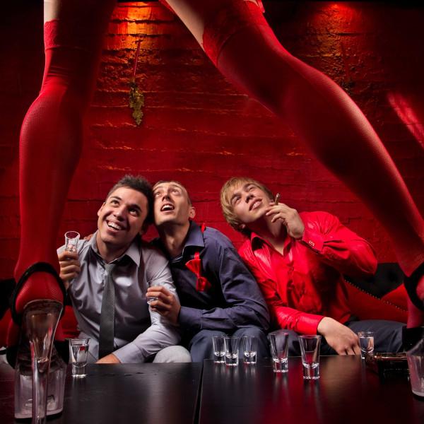 Strip Club Düsseldorf | Hier seid ihr die VIPs | Pissup Reisen